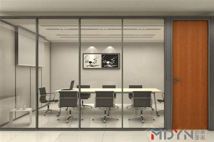 企业钢化玻璃隔墙注意事项